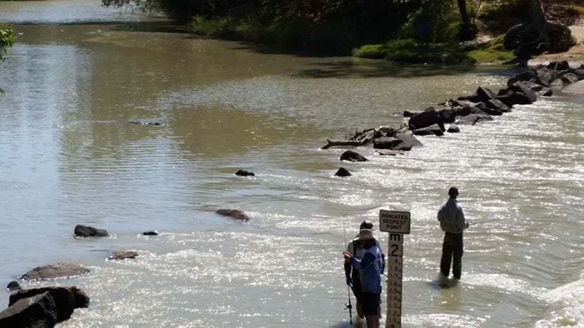 Cahills crossing - crocodiles nearby