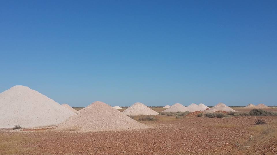 Coober Pedy moonscape